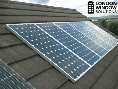 clean solar panels in London