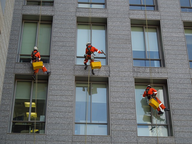 high rise window cleaners